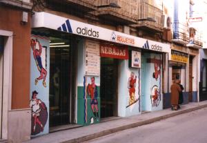Fachada tienda Agujetas 1995